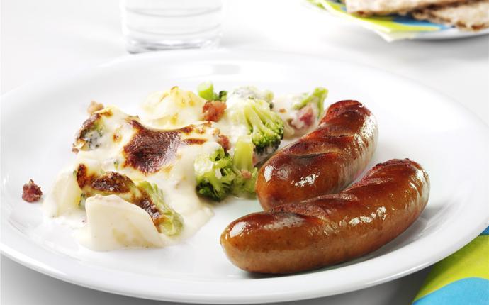 Bratwurst med potatis- & broccoligratäng