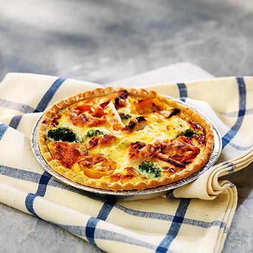 Liten paj med kyckling, broccoli & tomat