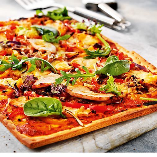 Pizza med kyckling, paprika och soltorkade tomater
