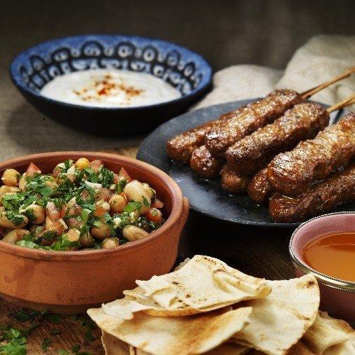 Foul från Shamiat med kebabspett