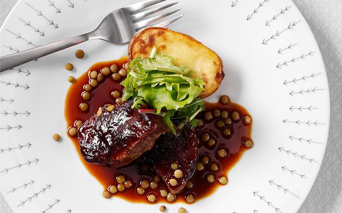 Pork brisket med linssås