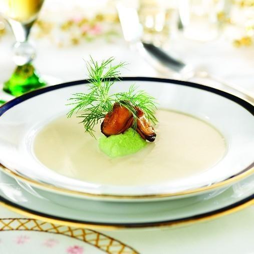 Blomkålssoppa med vårfräsch topping och rökta musslor A-kost