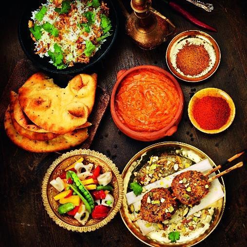 Indiska kycklingbiffar med Tikka masala, naanbröd och basmatiris